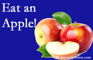Carrolltown chiropractic care encourages healthy diets full of fruits and veggies, so enjoy an apple the apple season!